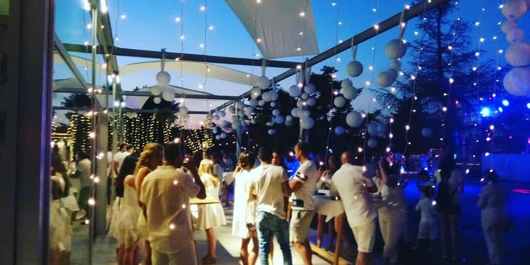 fiesta blanca